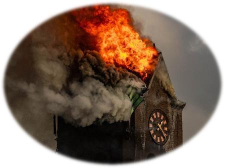brandende kerk