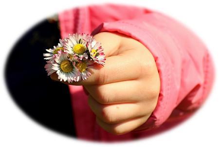 hand en blom